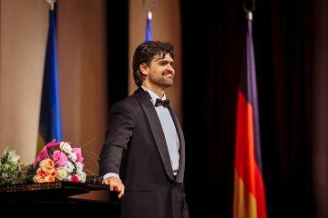 Баритон Виктор Рудь: романтическая музыка в Национальной филармонии